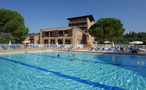 Village Club - Castel Lubéron