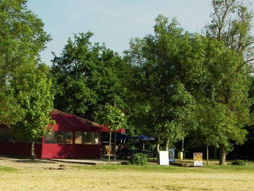 Camping Base de Loisirs d'Aubeterre - Camping Paradis